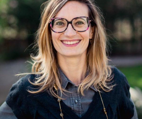 """Amandine Jullien, coach et formatrice, co-anime pendant les cures """"Jeûne & Sens"""" de Olivier Lantier"""