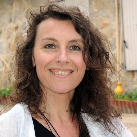 """Sandra Rabec, accompagnatrice Corps Âme Esprit, co-anime pendant les cures """"Jeûne & Sens"""" de Olivier Lantier"""