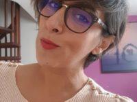 """Stéphanie Nadji, thérapeute holistique, co-anime pendant les cures """"Jeûne & Sens"""" de Olivier Lantier"""